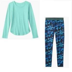 So Aqua tee and Camo Print Performance Leggings 16